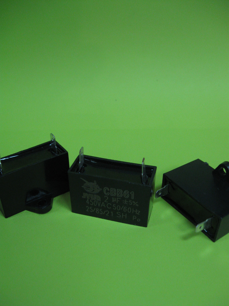 Конденсатор CBB-61 2uF 450VAC на клемах 5мм JYUL
