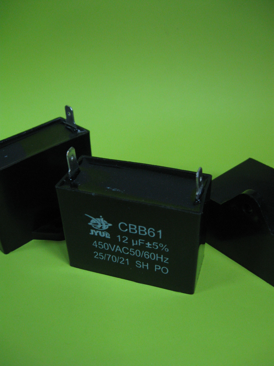 Конденсатор CBB-61 12uF 450VAC на клеммах 6,3мм JYUL