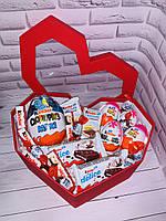 Огромная коробка сердце с киндерами подарок для девушки