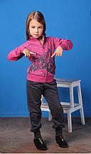 Спортивний одяг для дівчаток