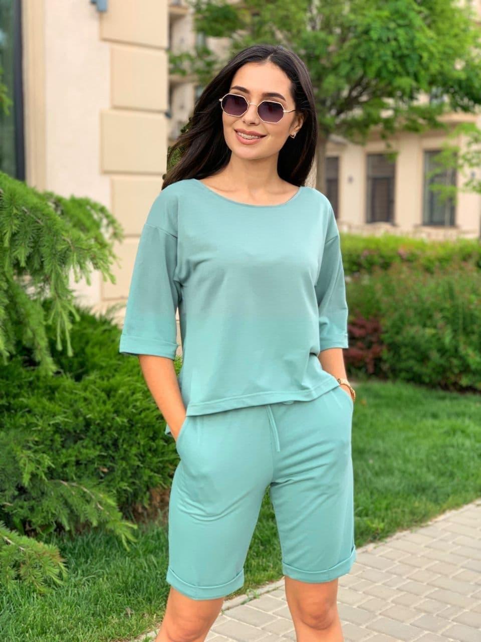 Женский летний костюм с шортами по колено и свободной футболкой (р. 42-52) 84101896