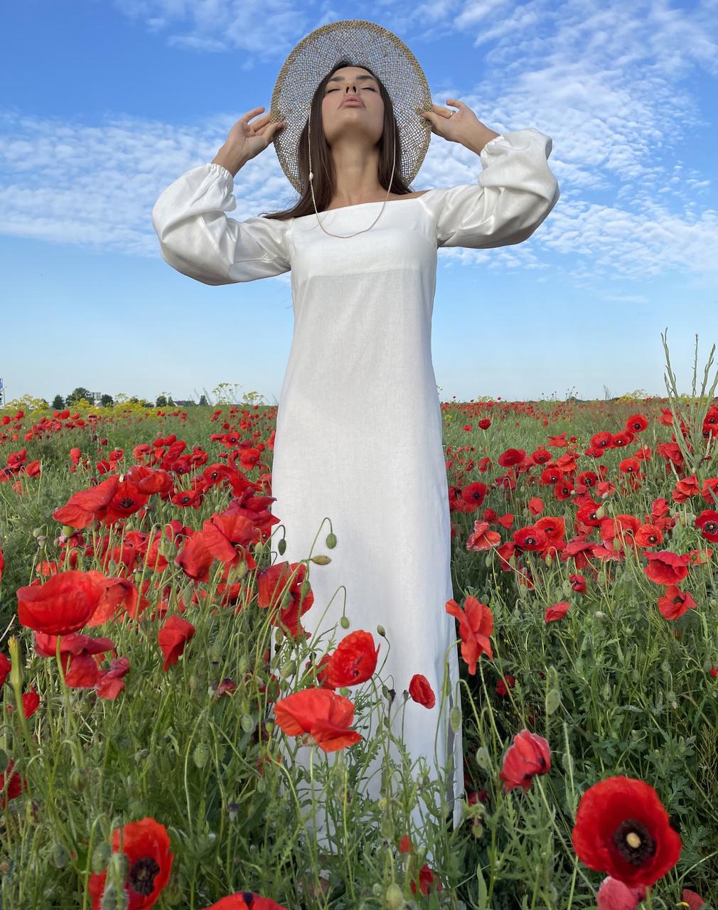 Довге лляне плаття прямого крою з відкритими плечима