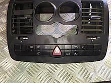Блок кнопок аварийки центральной консоли 6395454907 MERCEDES VITO W639