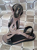 Босоножки кожаные лаковые цвета шоколад