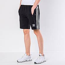 Мужские трикотажные шорты Adidas, черного цвета с белыми полосками.
