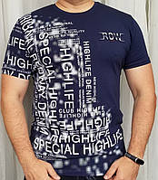Мужская футболка синего цвета с модным принтом из хлопка.