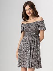 Красиве коротке літнє плаття з квадратним вирізом на резинці в квітковий принт в 2 кольорах в розмірі S, M, L