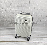 Пластиковый чемодан 6302 белый (маленький) (Уценка №3), фото 1