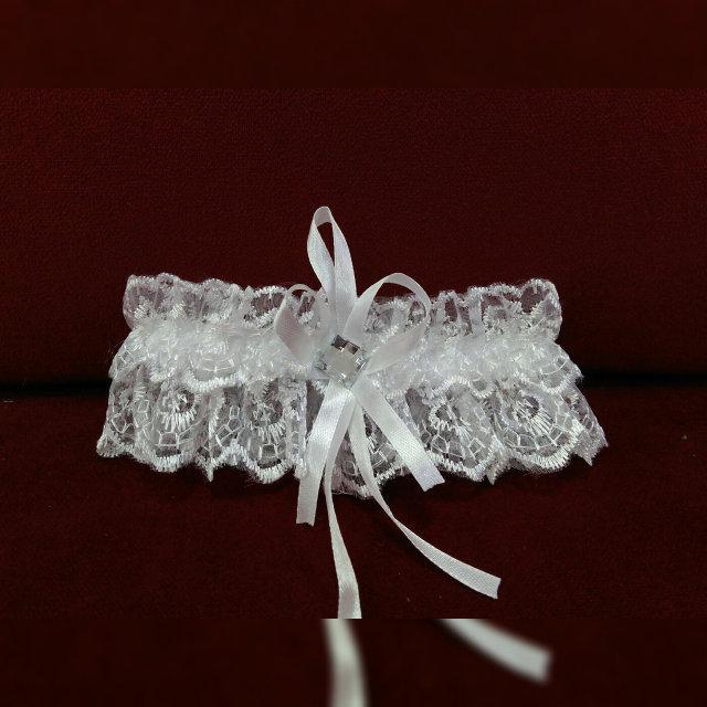 Свадебная подвязка для невесты белая