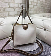 Маленькая белая женская сумка небольшая классическая сумочка через плечо кожзам