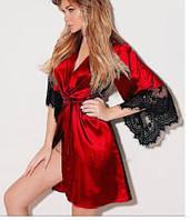 Атласный халат с кружевными рукавами