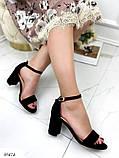 Женские босоножки с ремешком на удобном устойчивом каблуке 8 см черные бежевые, фото 2