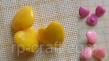 Гудзик пластиковий, декоративний, фігурний. Серце, на ніжці, 14х15 мм