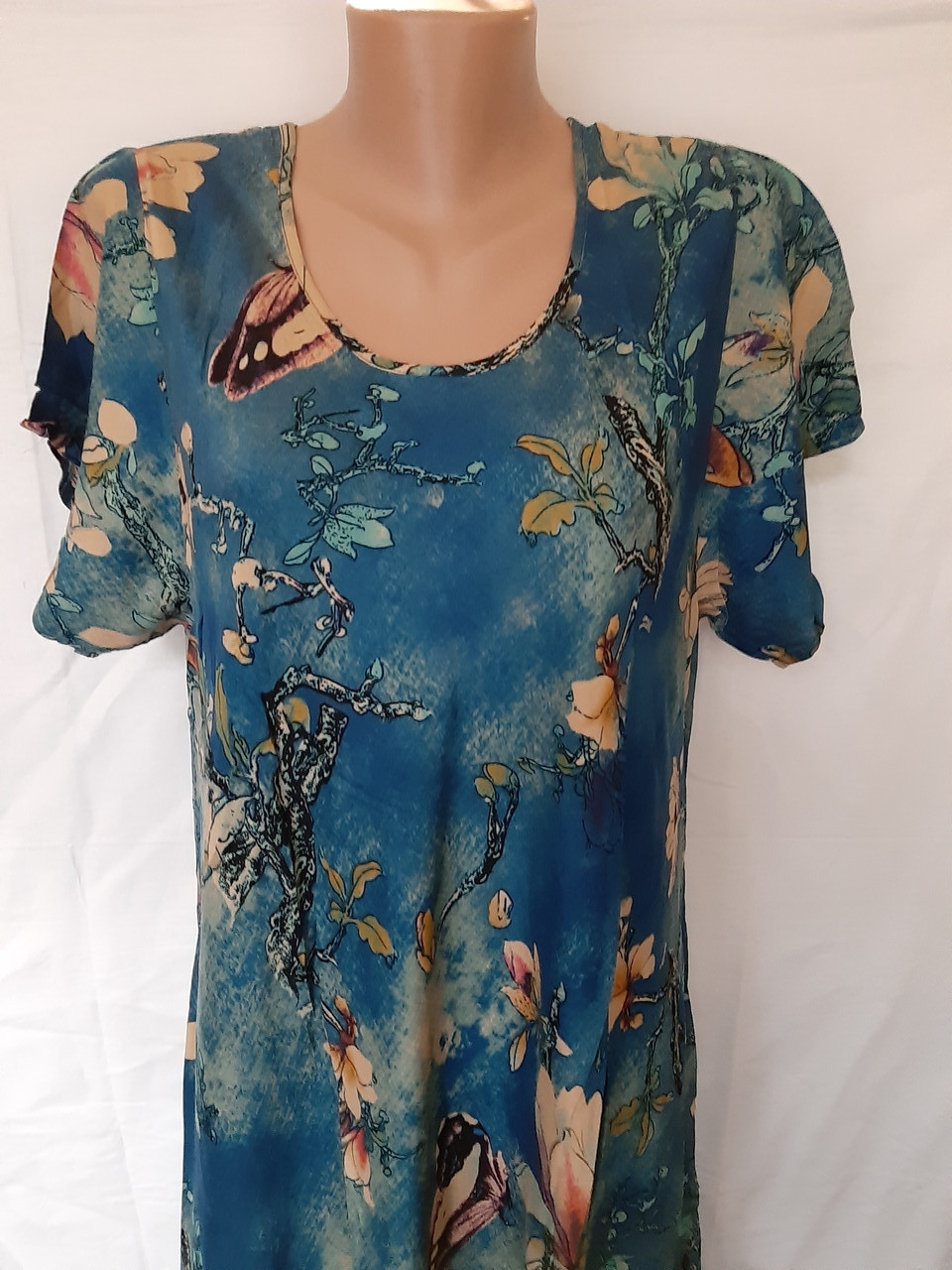Літній штапельне сукню. Сукня з коротким рукавом з натуральної тканини 1286