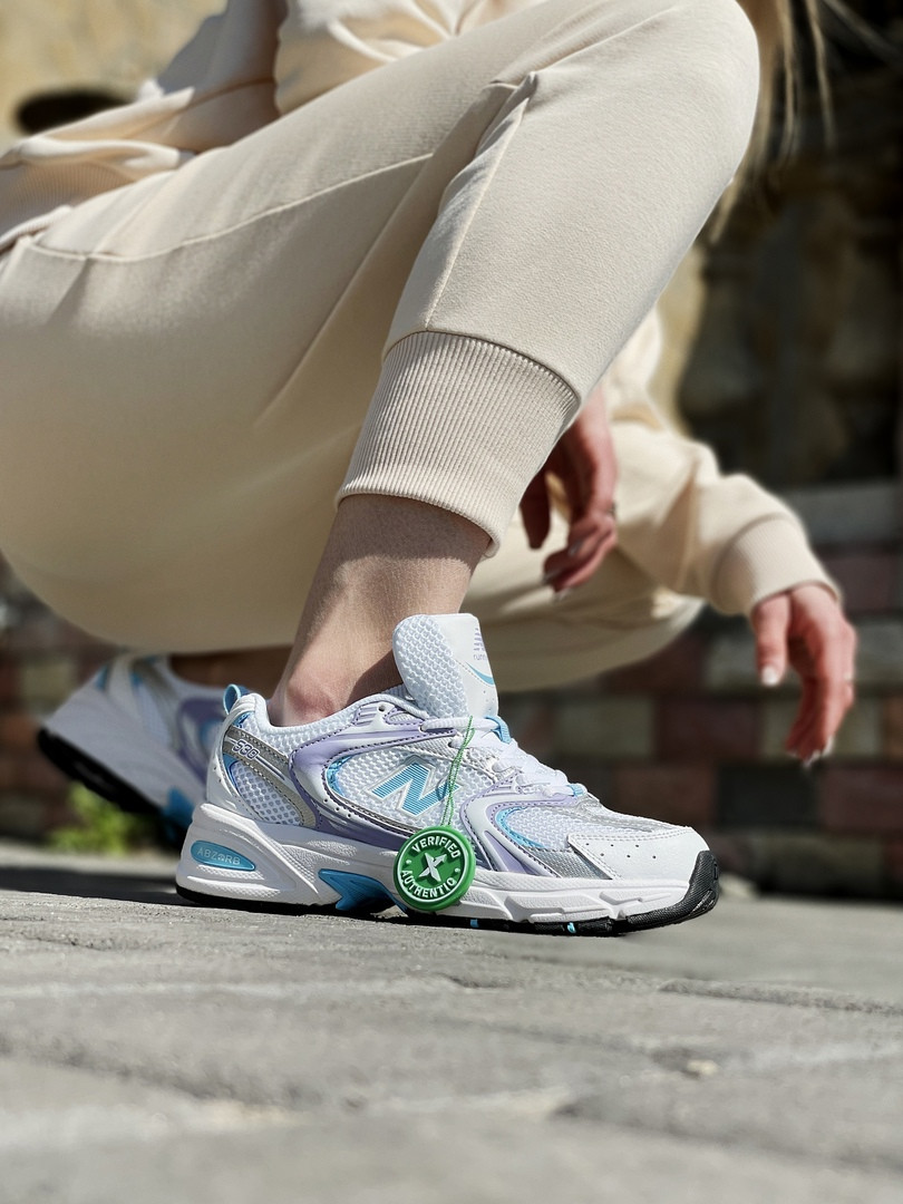 New Balance жіночі літні білі кросівки на шнурках. Літні жіночі текстильні кроси.