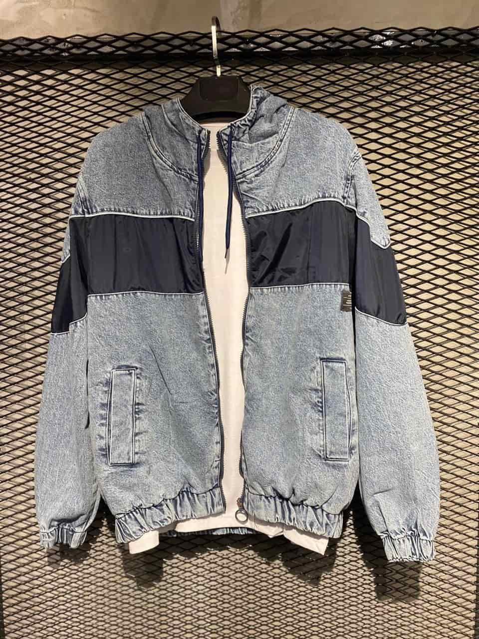 Чоловіча сіро-блакитна джинсова куртка-бомбер на манжетах з чорною вставкою, Туреччина