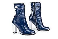 Женские лаковые кожаные полусапоги синие на каблуке
