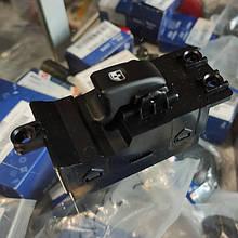 Кнопка стеклоподъемника Hyundai HD78, HD65, HD72 Хюндай HD (93692-5H010)