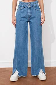 Широкие джинсы женские трубы палаццо с разрезами