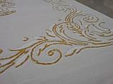 Білосніжний килим з класичним золотим малюнком, фото 2