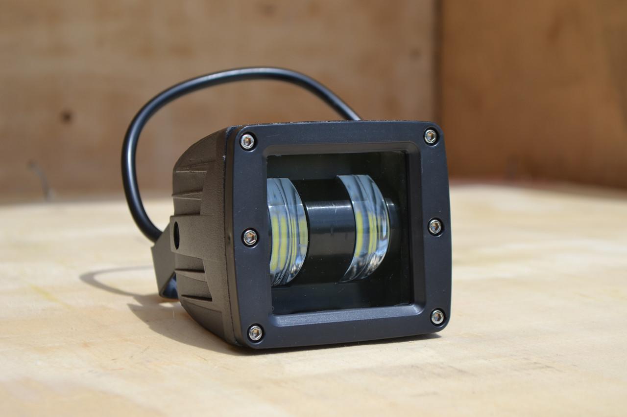 Дополнительная светодиодная LED фара 30Вт Квадратная (Black), Четкой световой теневой границей