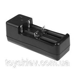 Сетевые зарядные устройства для двух Аккумуляторов 18650-2  ( YQ-082 )