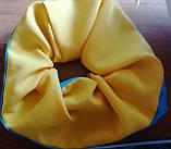 Резинка для волосся тканина,  оксамитова  Резинка на хвост на гульку  для волос бант кранч желто голубая, фото 3