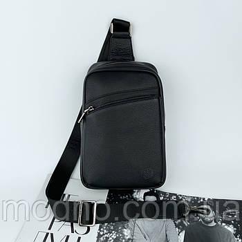 Мужская кожаная нагрудная сумка слинг через плечо  H.T. Leather черная