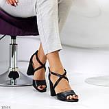 Элегантные черные женские туфли на шлейке на устойчивом каблуке 37-24 / 40-25,5см, фото 3
