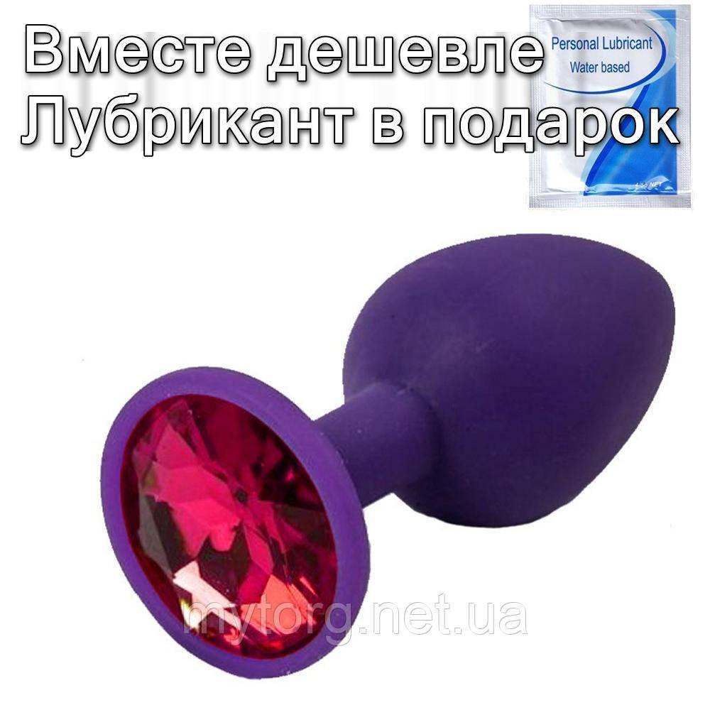 Фиолетовая силиконовая анальная пробка с кристаллом 3 см х 7 см Красный кристалл