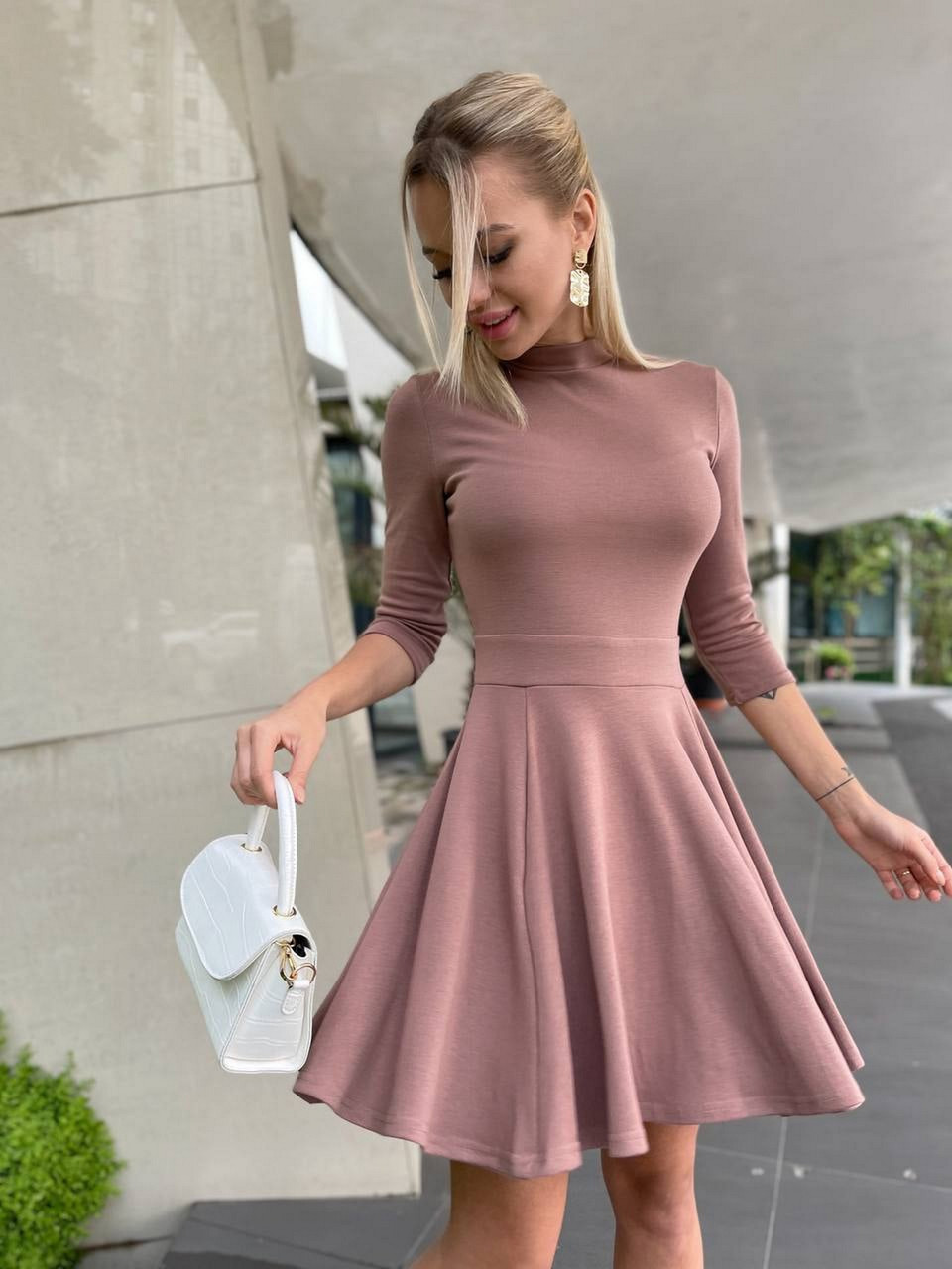 Коротке жіноче плаття, рукав три чверті, потайна змійка, 00891 (Мокко), Розмір 46 (L)