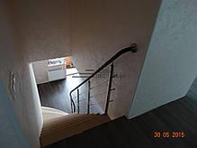 Лестница на больцах с косоуром по стене, фото 2
