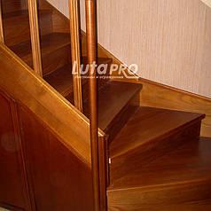 Лестница обшитая ясенем