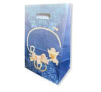 Синій весільний паперовий пакет на коровай торт