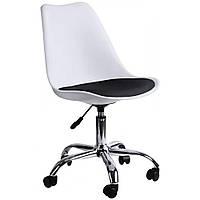 Офисное кресло с регулируемой высотой сиденья стул в офис с прорезиненными колесами белый с черным сидением