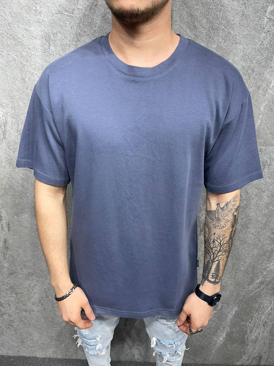 Чоловіча футболка синього кольору oversize однотонна
