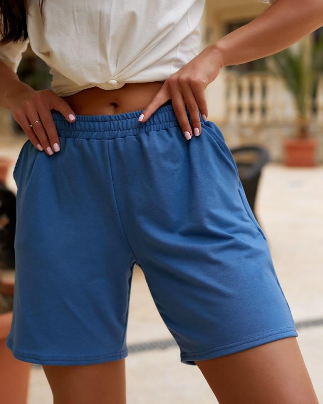 Женские трикотажные шорты свободного кроя с завышенной талией