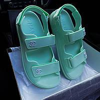 Модні жіночі босоніжки Chanel м'ятні яскраві | Літні відкриті брендові сандалі Шанель