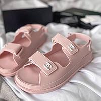 Красиві літні босоніжки Chanel рожеві | Зручні відкриті брендові сандалі Шанель Італія