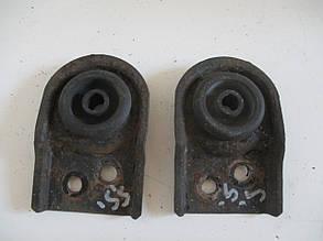 Кронштейн / опора / подушка радиатора верхняя, пара MR258431 (можно поштучно) 999520 Spase Star 00-04r