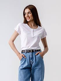 Однотонная футболка с пуговичками и с отворотом на коротких рукавах в 5 расцветках в размерах S/M и L/XL.