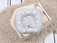 Подушка з тримачем для пустушки Білі зірки на сірому