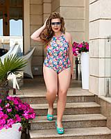 Женский красивый слитный купальник с вырезом на груди в цветочный принт