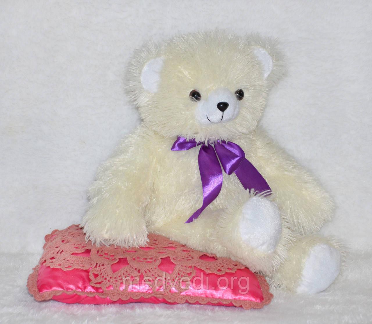 Плюшевый медвежонок бело-кремового цвета 60 см