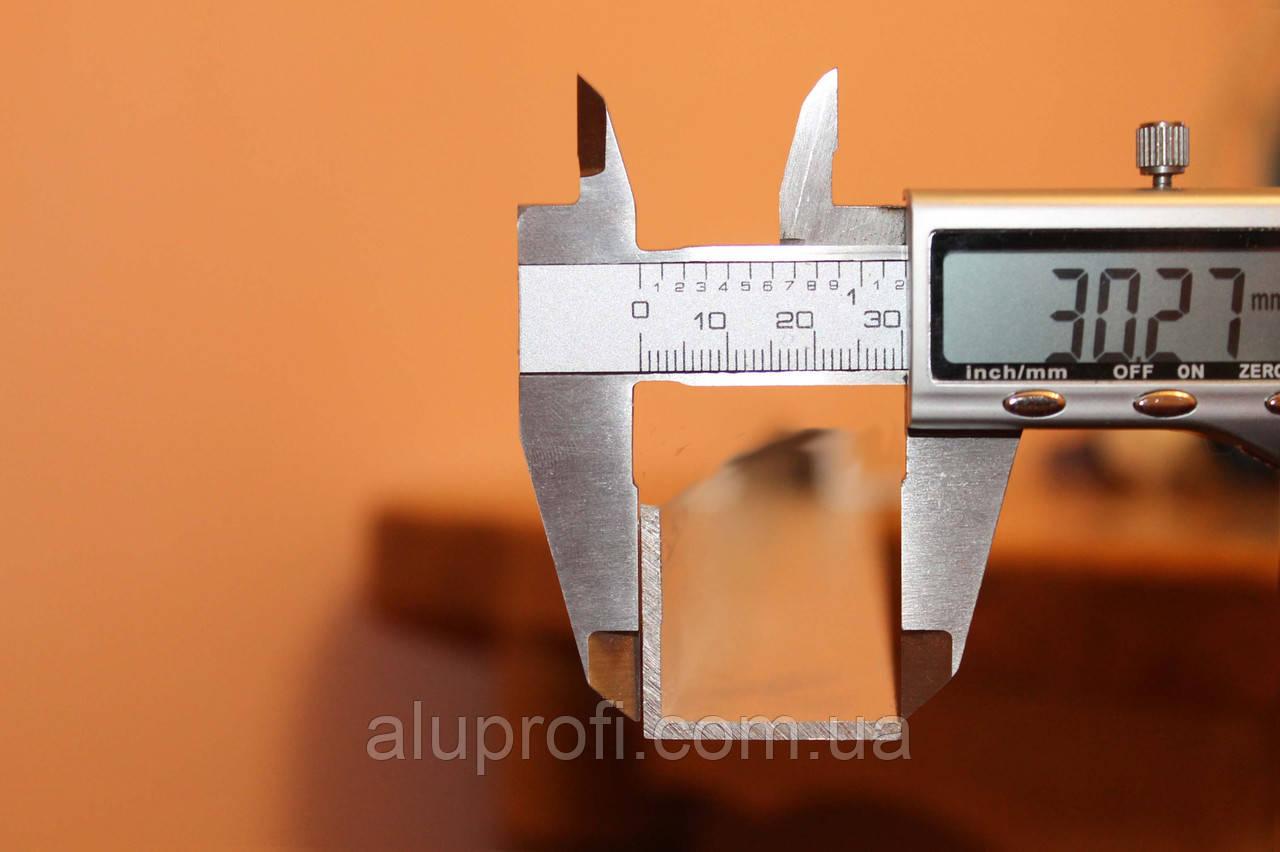 Уголок алюминиевый 30х30х3 мм АД31Т