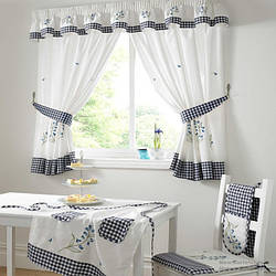 Шторы для кухни из вуали и портьерной ткани.