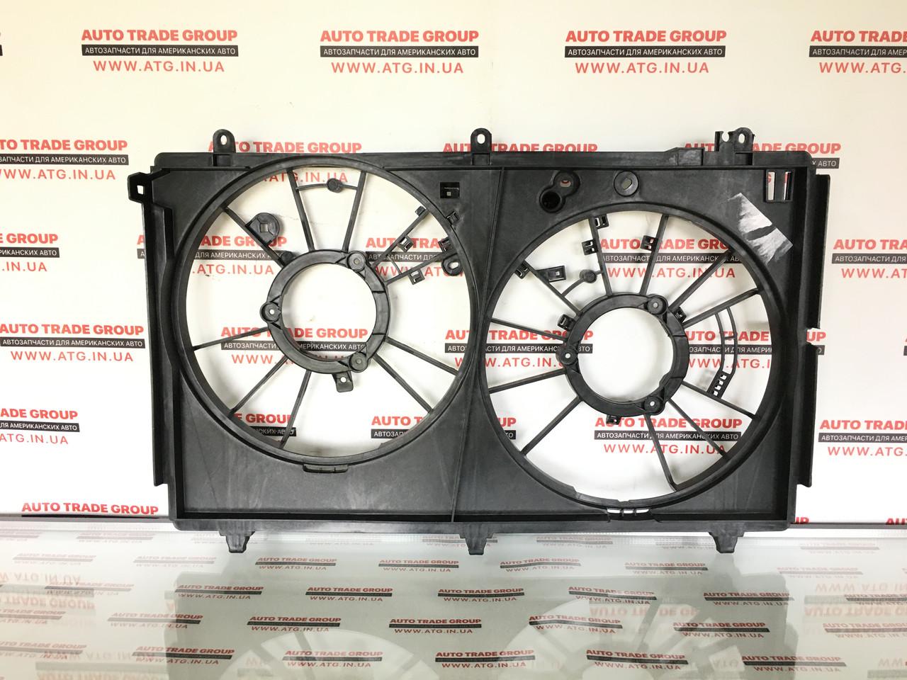 Дифузор радіатора 2.0 2 вентилятора OUTLANDER 2016 1355A258