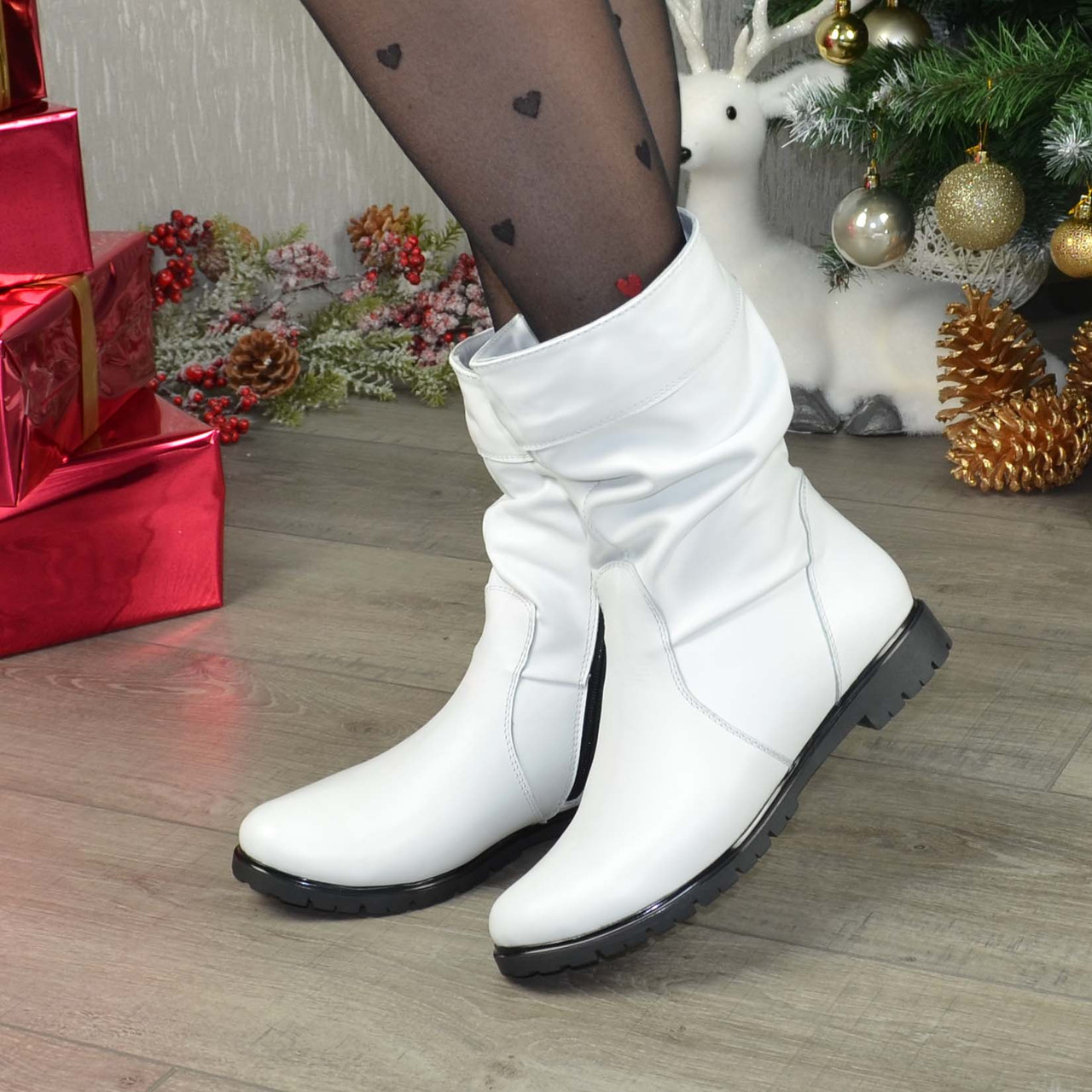 """Демисезонные женские ботинки из натуральной кожи белого цвета ТМ """"Maestro"""""""