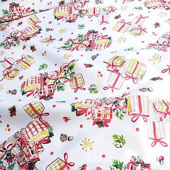 62020 Подарки. Подойдет для текстильных игрушек, для изделий ручной работы. Рождественские ткани.