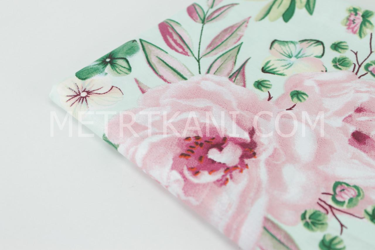 """Лоскуток. Ткань хлопковая  """"Большие цветы с бабочками """" мятном  фоне , 20*160 см"""